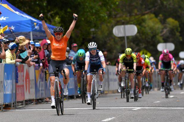 Hosking entra a vencer na Austrália!