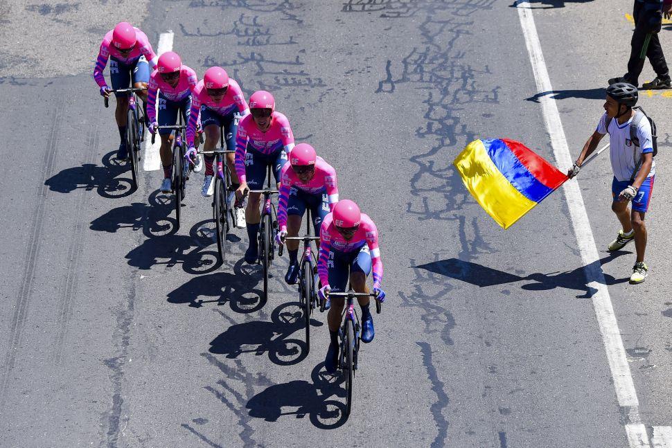 EFoguete vence Contrarrelógio coletivo na Colombia