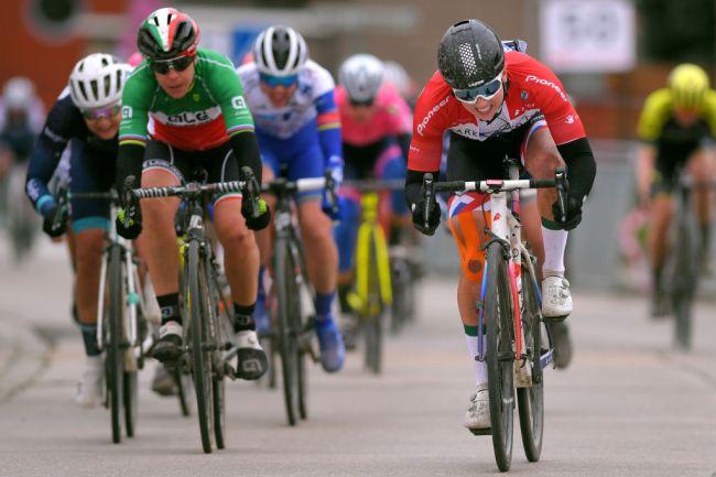 Lorena Wiebes triunfa na Omloop van het Hageland!
