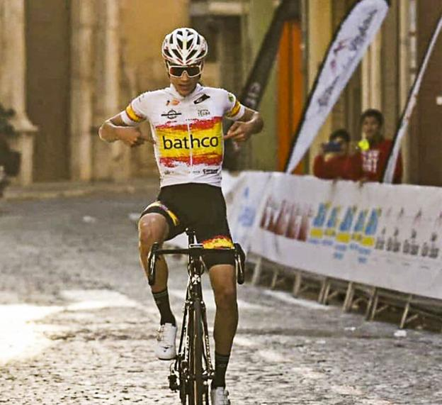 Juan Ayuso vitorioso, com Bairrada muito ativa!