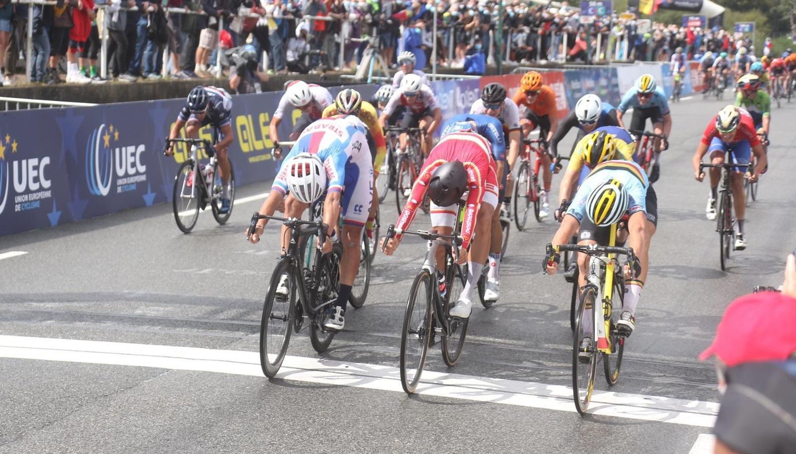 Sprint milimétrico dá a vitória a Kasper Andersen!