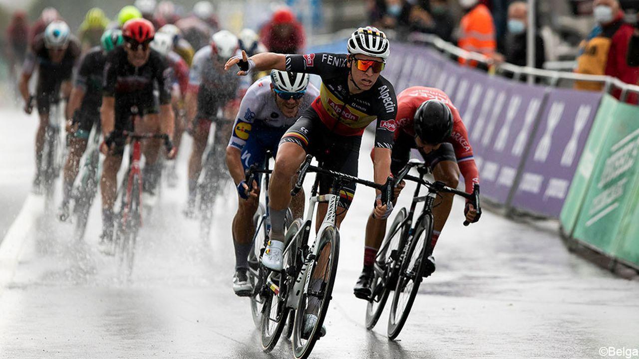 Tim Merlier vence Brussels Classic!
