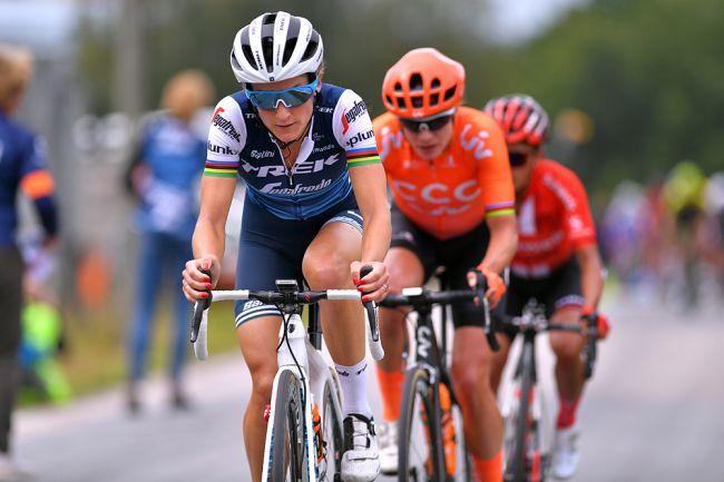 Acidentes e bicicletas roubadas na Strade Bianche feminina!