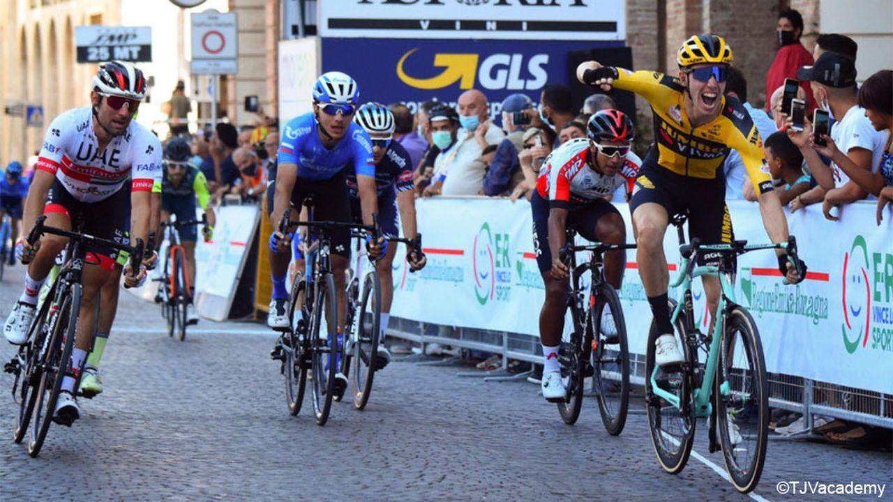 Persistência de Narvaez leva-o à vitória final na Coppi e Bartali!