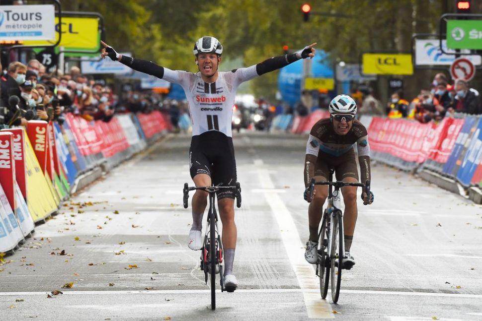 Casper Pedersen ganha Paris-Tours!