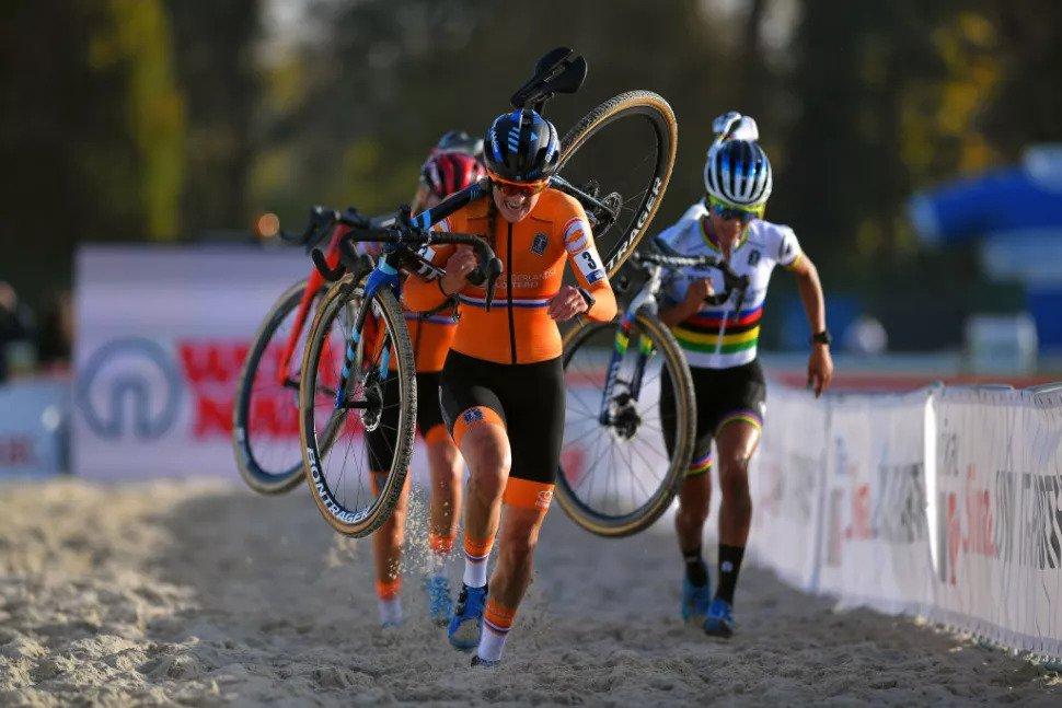 Resumo do domínio holandês nos campeonatos europeus de ciclocrosse!