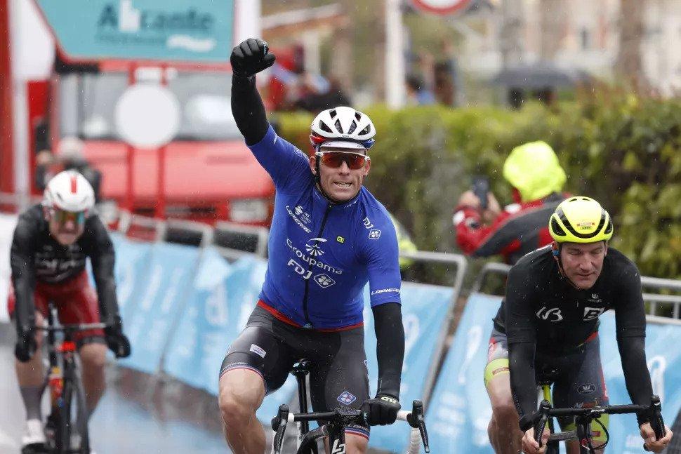 Demare bate Dupont e Ewan e vence segunda etapa da Valenciana!
