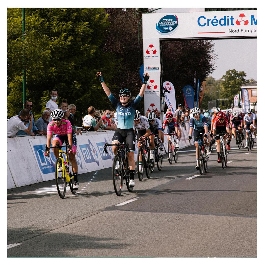 Charlotte Kool vence o GP d'Isbergues!