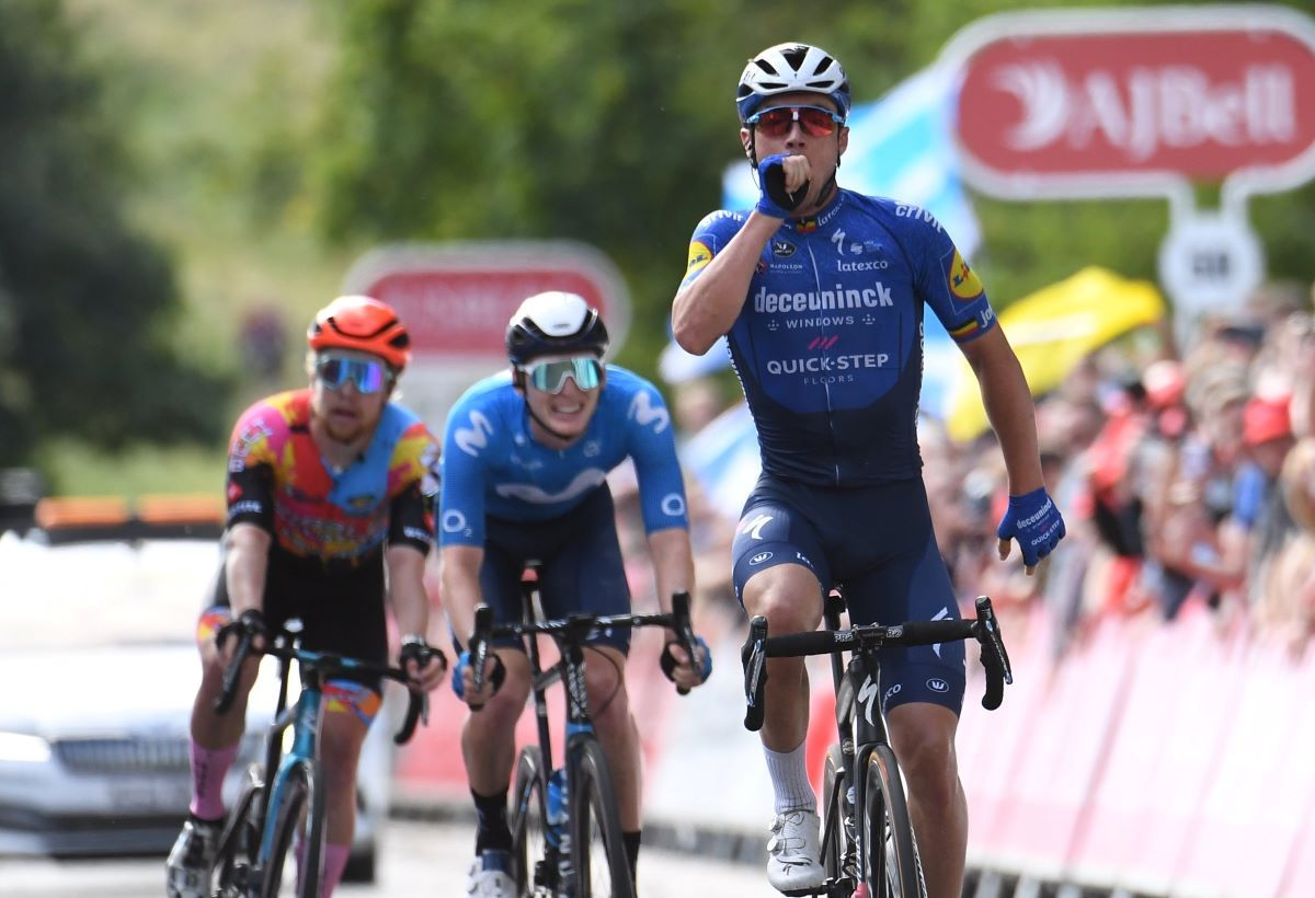Yves Lampaert vence, em fuga, a etapa 7 do Tour of Britain! Hayter segue líder!