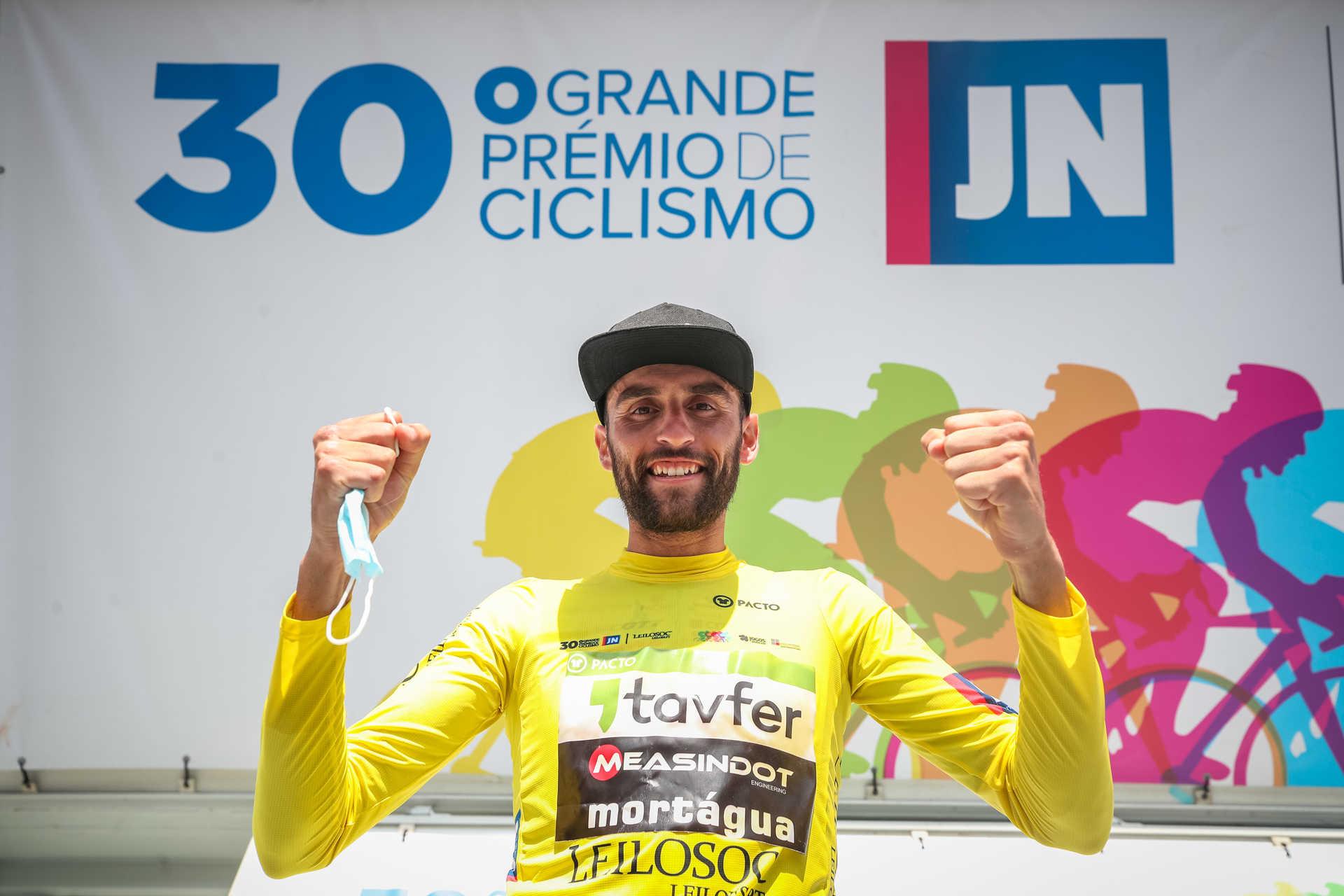 César Martingil não perdoa na chegada a Viana do Castelo! Joaquim Silva é o tão merecido vencedor do GP Jornal de Noticias!