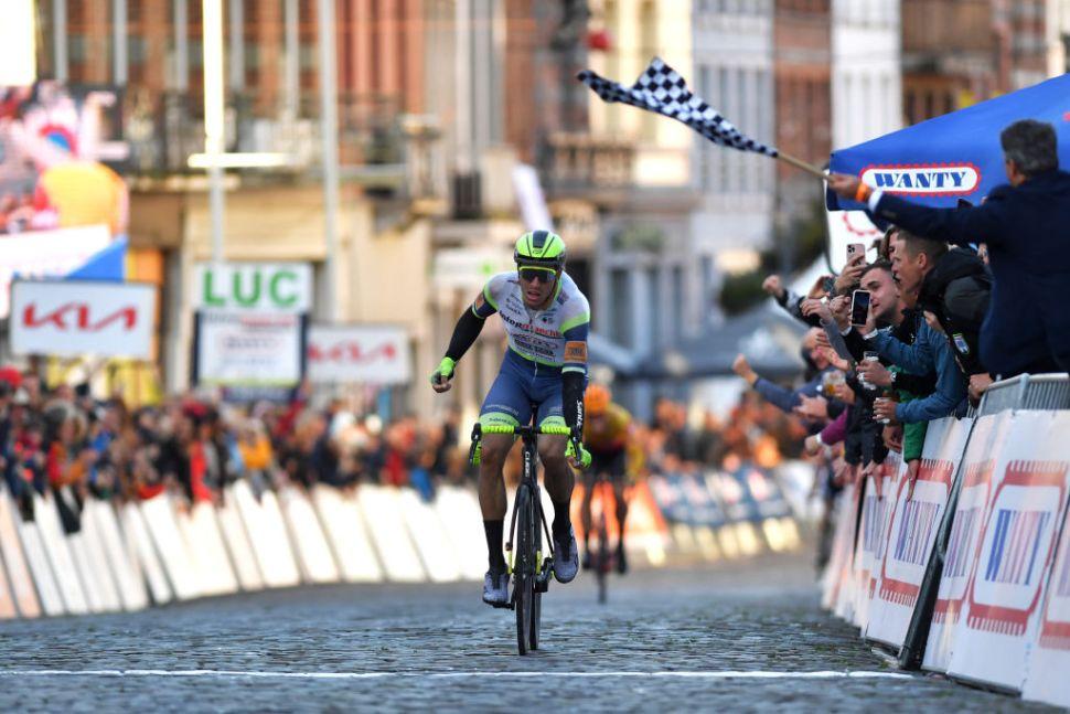 Danny van Poppel encerra ciclo a vencer a  Binche-Chimay-Binche!